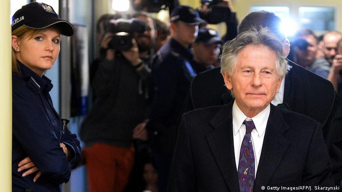 Polanski followed by press in Krakow court
