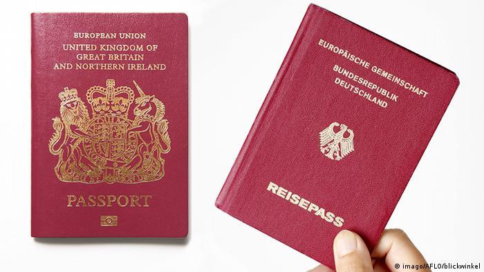 Britischer und deutscher Reisepass (imago/AFLO/blickwinkel)