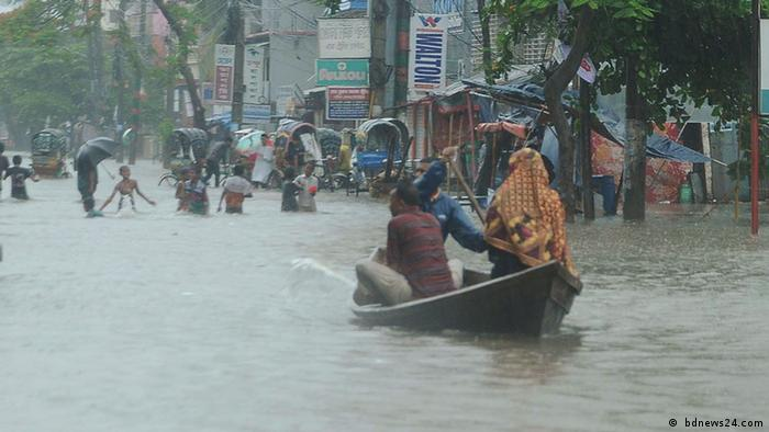 Bangladesch water logging at Dhaka, Chittagong ( bdnews24.com)