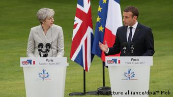Theresa May in Paris with Emmanuel Macron