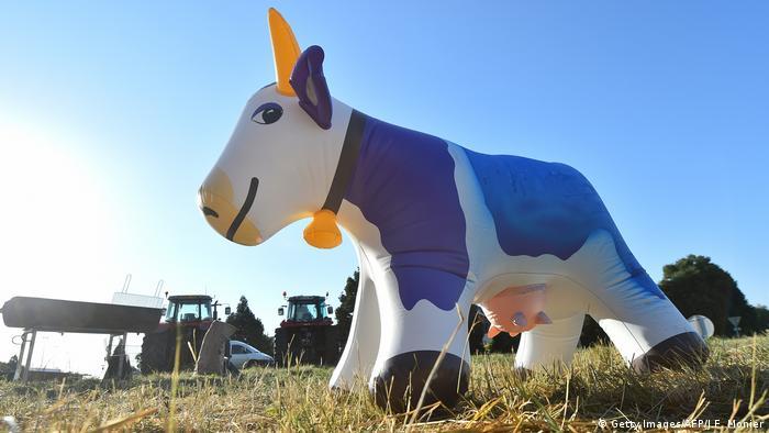 Frankreich Protest von Bauern in Change - Milchpreis