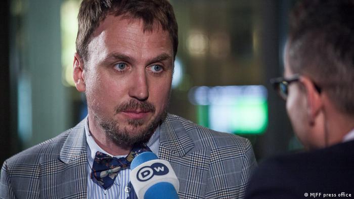 Lars Eidinger im DW Interview