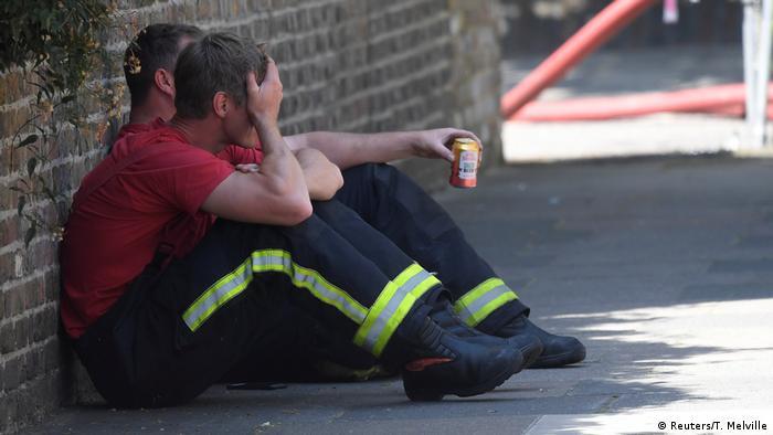 UK Mindestens sechs Tote und dutzende Verletzte bei Hochhausbrand in London