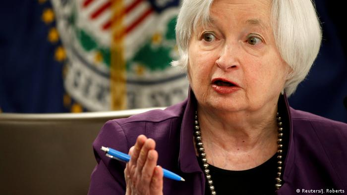 USA | Janet Yellen | US-Notenbank hebt Zins zum zweiten Mal in diesem Jahr leicht an (Reuters/J. Roberts)
