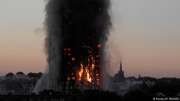 UK Mindestens zwölf Tote und dutzende Verletzte bei Hochhausbrand in London