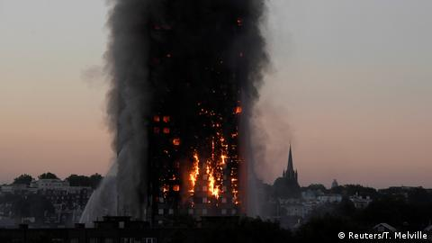 Grenfell Tower on fire (Reuters/T. Melville)