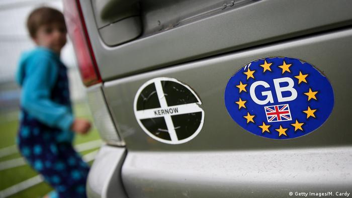 A bumper stickers shows the letters GB inside the European flag (Getty Images/M. Cardy)