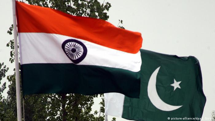 India Pakistan flags