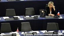 STRASSBURG - FRANKREICH - 17.01.2017 - POLITIK - Europaeisches Parlament French Front National (National Front - FN) far-right party's President, European MP and presidential candidate for the 2017 election Marine Le Pen takes part in a plenary session of the European Parliament marking the election of its new President in Strasbourg, eastern France, on January 17, 2016. The European Parliament elects a new president today in a vote that promises to be stormy after a coalition aimed at keeping eurosceptics out of power broke down | Verwendung weltweit