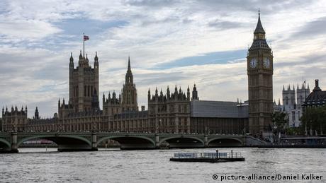 Βρετανία: Αγεφύρωτο χάσμα κυβέρνησης - αντιπολίτευσης για Brexit