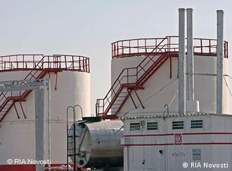 The Khauzak gas field in Uzbekistan is part of the gas mega project Kandym-Khauzak-Shady-Kungrad. The Russian LUKoil mammoth holds 90% of its stock, and the Uzbekneftegaz national holding company 10%. Aleksey Nikolskyi/RIA Novosti