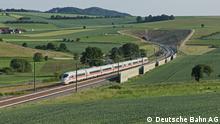 ICE Strecke Berlin München ICE 4 auf der Fahrt über die kurvenreiche Strecke im Frankenwald