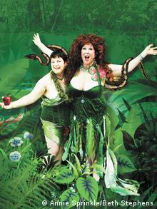 Ecosex pioneers Annie Sprinkle und Beth Stephens as Adam and Eve