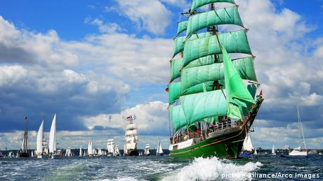 Kieler Woche Windjammerparade (picture-alliance/Arco Images)