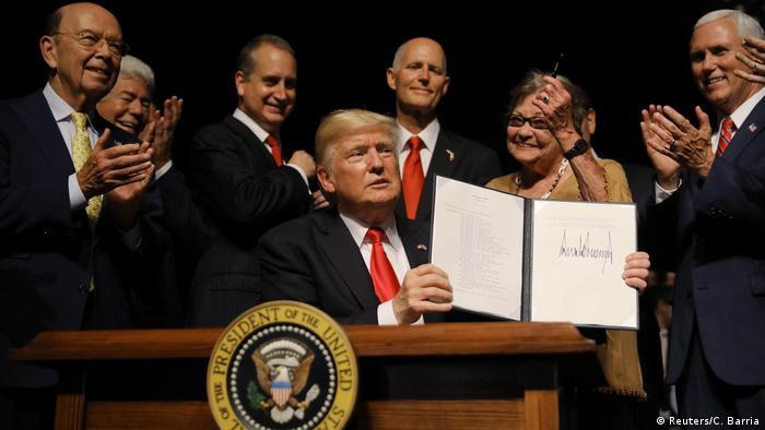 USA Donald Trump- Rede über Kubapolitik (Reuters/C. Barria)