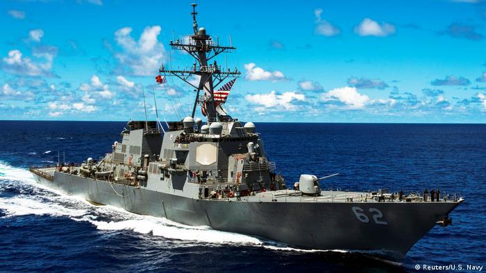 آرلی برک (Arleigh Burke)، بهترین، قدرتمندترین و پرتعدادترین ناوشکن در خدمت است. نیروی دریایی آمریکا ۶۴ فروند از این ناوشکنها را در خدمت دارد. آرلی برک در سال ۱۹۹۱ وارد خدمت نیروی دریایی آمریکا شد و امروزه در نقشهای دفاع هوایی و موشکی، ضد سطح، ضد زیردریایی و حمله زمینی به کار گرفته میشود.
