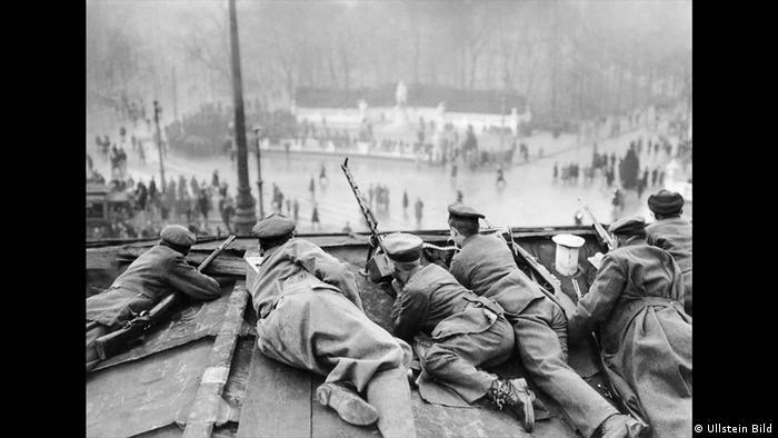 Walter Gircke - Photo of the Spartacist uprising in January 1919 (Ullstein Bild)