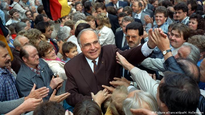 Helmut Kohl Bad in der Menge