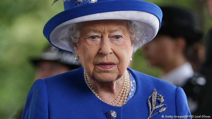 Königin Elizabeth II. London Grenfell Tower (Getty Images/AFP/D.Leal-Olivas)