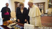 Vatikan Papst Franziskus empfängt Merkel zu Privataudienz