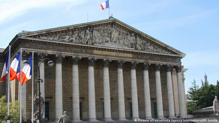 Symbolbild Frankreich Parlament (Picture alliance/Anka Agency International/M. Jooste)