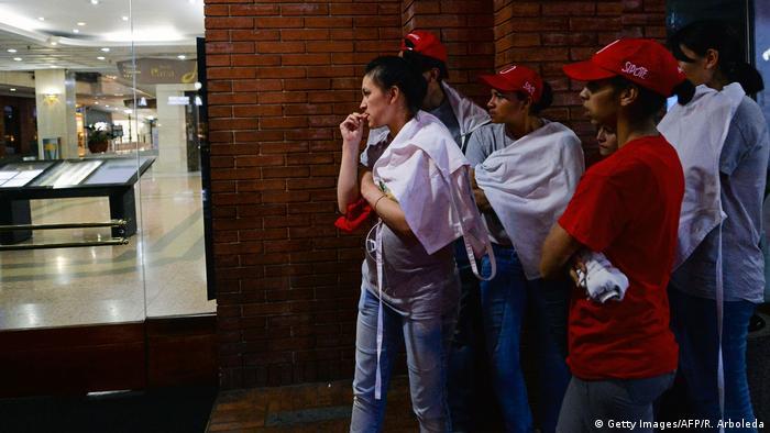 Kolumbien Bogota Anschlag auf Einkaufszentrum (Getty Images/AFP/R. Arboleda)