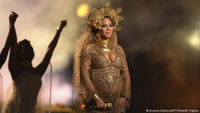 USA Beyonce bei den Grammy Awards (picture-alliance/AP Photo/M. Sayles)