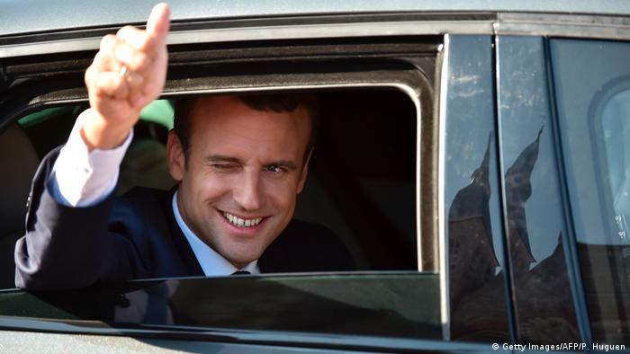 Президент Франции Эмманюэль Макрон после голосования на парламентских выборах