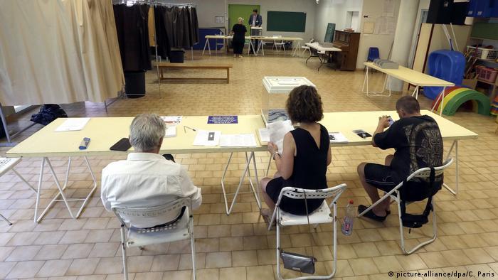 Избирательный участок во Франции