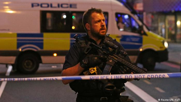 Großbritannien London Fahrzeug rammt Moschee-Besucher (Reuters/N. Hall)