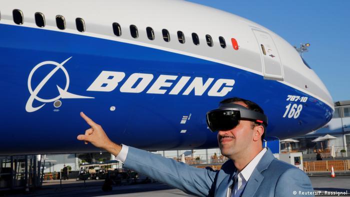 Окуляри віртувальної реальності на допомогу пілотам
