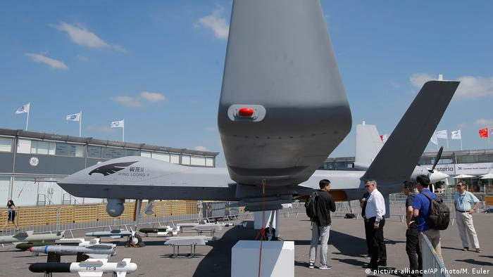 Frankreich Le Bourget Luftfahrtmesse Wing Loong II Drone (picture-alliance/AP Photo/M. Euler)