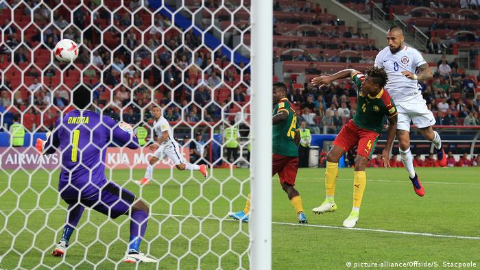 Russland Confed-Cup Kamerun - Chile (picture-alliance/Offside/S. Stacpoole)