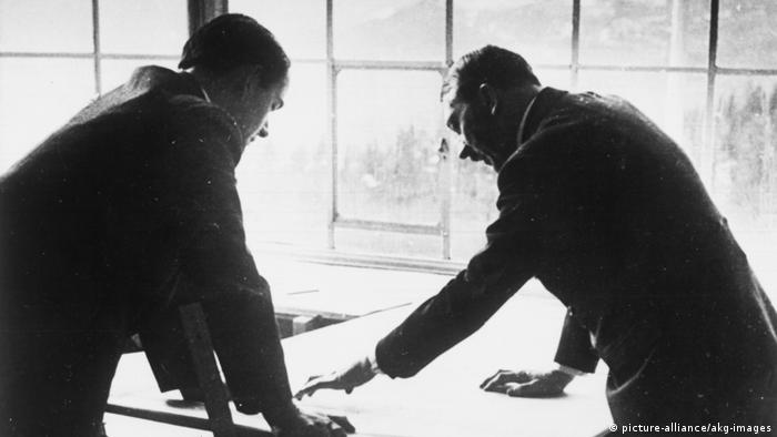 Альберт Шпеер и Адольф Гитлер, 1938 год