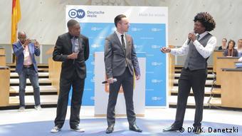 Πολύ γέλιο με τους παραγωγούς των Zambesi News