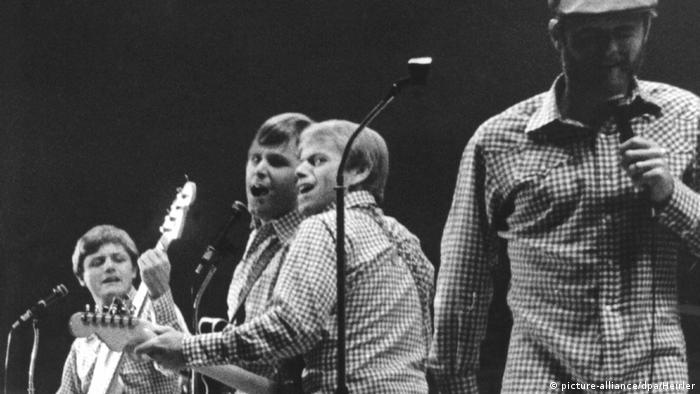 The Beach Boys in 1966 (picture-alliance/dpa/Heirler)