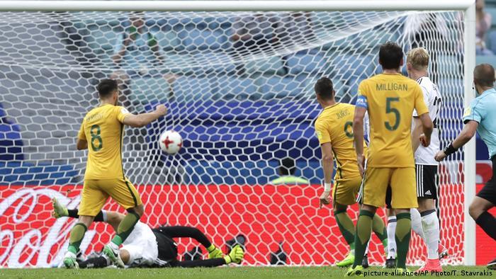 Fußball Confederations Cup Deutschland - Australien (picture-alliance/AP Photo/T. Stavrakis)