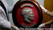 Hitler-Artefakt (picture alliance/dpa/AP Photo/N. Pisarenko)