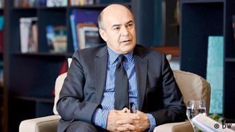 AB-Türkiye ilişkileri ve göç konularında uzman isimlerden olan Prof. Dr. Murat Erdoğan