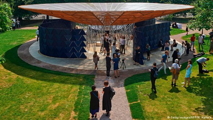 Diébédo Francis Kéré's Serpentine Pavilion