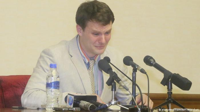 Отто Уормбир на пресс-конференции в Пхеньяне
