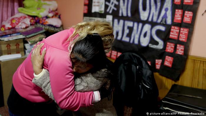 Argentinien Buenos Aires - Maira Maidana Gewalt gegen Frauen (picture-alliance/AP Photo/N. Pisarenko)