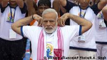 Indien Internationaler Yoga Tag (picture alliance/AP Photo/R.K. Singh)