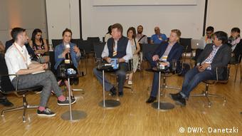 Deutschland Bonn - Global Media Forum: Murat Şevki Çoban, Anna J. Dudek, Ronald Meinardus, Gareth Cliff, Premesh Chandran (f. l. t. r.)
