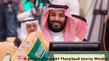Saudi Arabien - Kronprinz Mohammed bin Salman (picture-alliance/AP Photo/Saudi Interior Ministry)