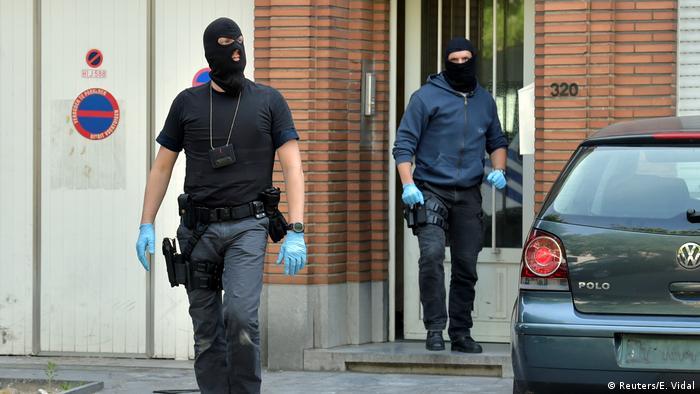 Бельгийские полицейские в балаклавах