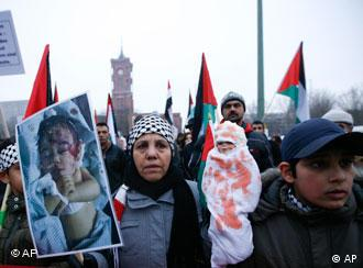 Palestinian supporters protest against the ongoing attacks by Israel in Gaza