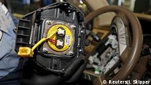 ARCHIV 2015 +++ FILE PHOTO: A recalled Takata airbag inflator is shown in Miami, Florida, U.S. on June 25, 2015. REUTERS/Joe Skipper/File Photo