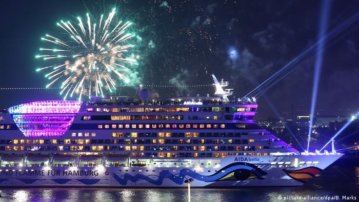 Cruise Days in Hamburg (picture-alliance/dpa/B. Marks)