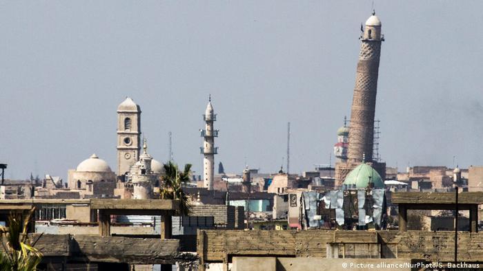 Die Moschee mit dem weltberühmten schiefen Minarett auf einer undatierten Archivaufnahme (Foto: Picture alliance/NurPhoto/S. Backhaus)